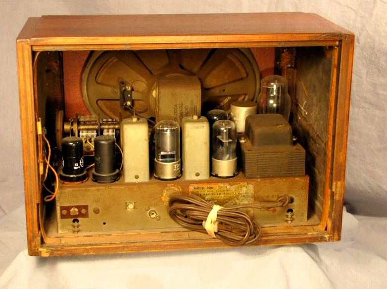 Depression And War Era Vintage Radios At The Museum Of Yesterday. Another Popular Radio In The Pre And Post Wwii Years Was This Zenith Model 6d312 Often Referred To As Bee Hive Or Pancake Because Of Its Unusual. Wiring. 1920s Zenith Tube Radio Schematics At Scoala.co